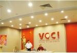 Huyền Diệu dạy Mật Pháp Kinh Doanh cho Doanh Nhân Việt Cộng tại Phòng Thương mại Việt nam của Việt cộng